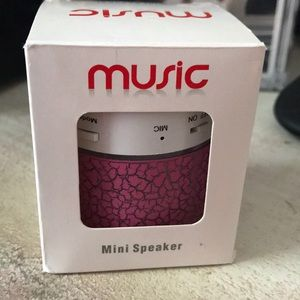 NEW Mini Speaker Pink